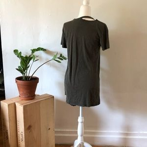 Forever 21 Tops - Forever 21 Army green, t-shirt